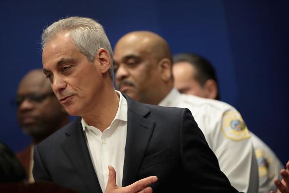 Eddie House「Chicago Mayor Emanuel Urges IL Governor To Sign Gun Dealer Licensing Bill」:写真・画像(10)[壁紙.com]