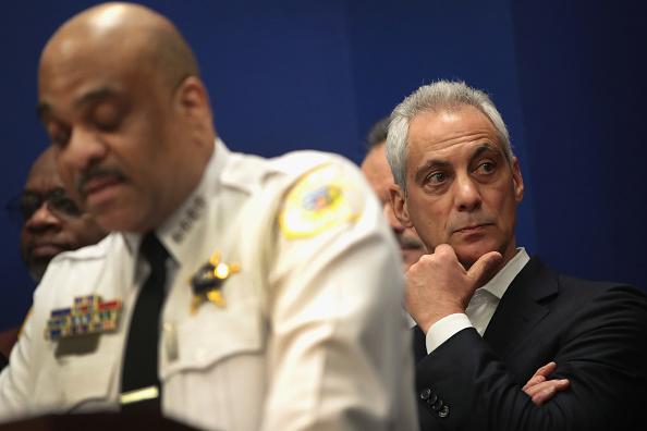Eddie House「Chicago Mayor Emanuel Urges IL Governor To Sign Gun Dealer Licensing Bill」:写真・画像(12)[壁紙.com]