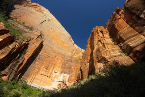Sedona「Sandstone cliff in Sedona, Arizona」:スマホ壁紙(6)