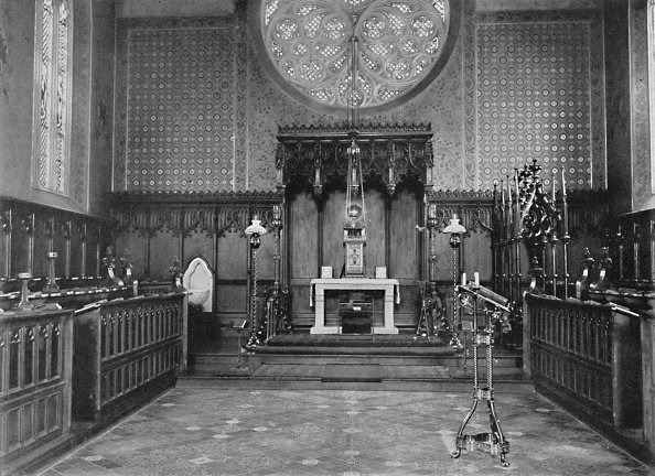 Wood Paneling「The Chancel Catholic Apostolic Church Albury Park 1904」:写真・画像(10)[壁紙.com]