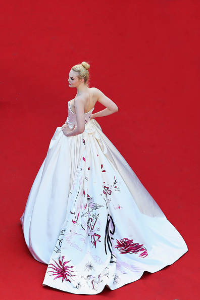 Elle Fanning「Opening Ceremony - The 70th Annual Cannes Film Festival」:写真・画像(19)[壁紙.com]