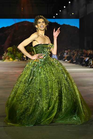 Australian Fashion Week「First Nations Fashion + Design - Runway - Afterpay Australian Fashion Week 2021」:写真・画像(1)[壁紙.com]