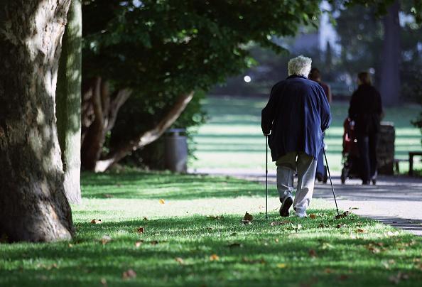 Walking「German Elderly Population Growing」:写真・画像(18)[壁紙.com]