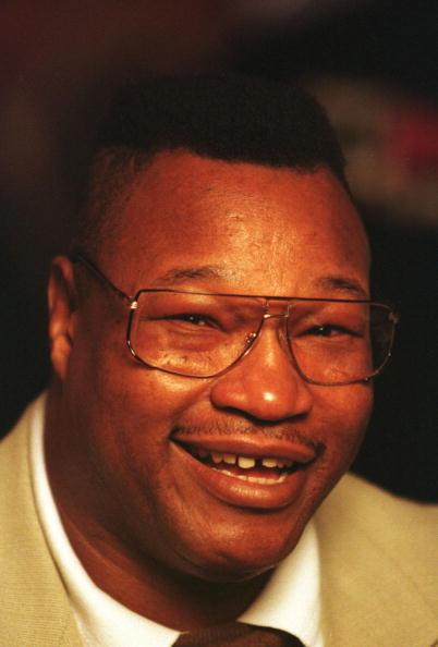 George Foreman「Heavyweight boxing legend Larry Holmes smiles」:写真・画像(8)[壁紙.com]