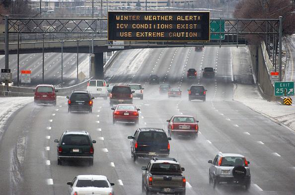 Road「Winter Ice Storm Coats Atlanta」:写真・画像(6)[壁紙.com]