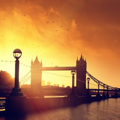 London Bridge - England「Tower Bridge in London at dawn」:スマホ壁紙(19)