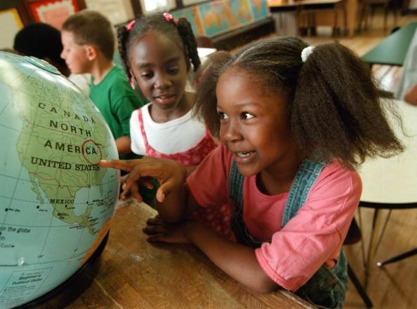 School Building「Children Head Back To School In Chicago」:写真・画像(19)[壁紙.com]