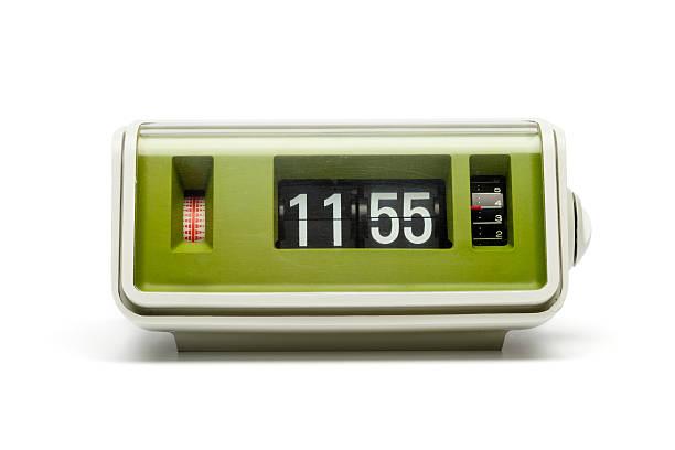 Retro digital flip clock:スマホ壁紙(壁紙.com)