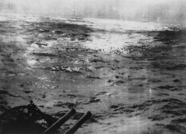North Atlantic Ocean「Sinking The Bismarck」:写真・画像(19)[壁紙.com]