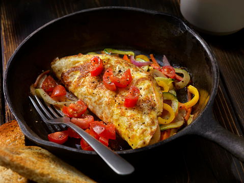 Cast Iron「Stir Fried Veggie Omelet with Fresh Tomato's」:スマホ壁紙(6)