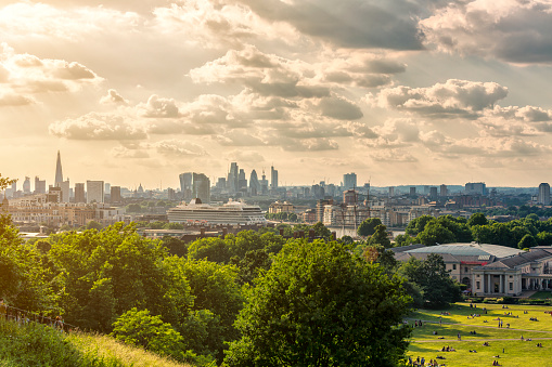 Cathedral「London skyline with the Shard London Bridge and City of London at sunset」:スマホ壁紙(9)
