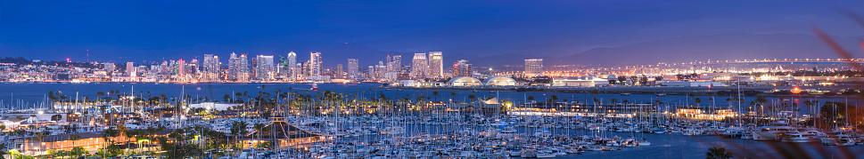 Downtown District「San Diego cityscape sunset」:スマホ壁紙(12)