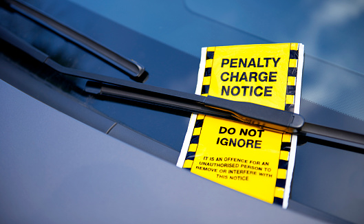Inconvenience「Parking ticket on windscreen」:スマホ壁紙(8)