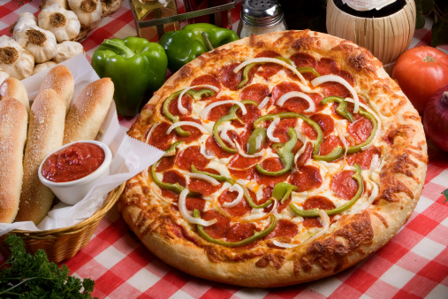 Green Bell Pepper「Pizza and Breadsticks」:スマホ壁紙(17)