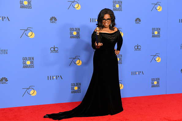 Golden Globe Award trophy「75th Annual Golden Globe Awards - Press Room」:写真・画像(13)[壁紙.com]