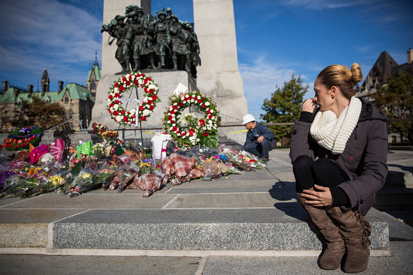 Nathan Cirillo「Ottawa On Alert After Shootings At Nation's Capitol」:写真・画像(5)[壁紙.com]