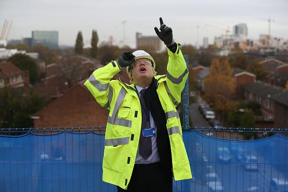 Development「Mayor Boris Johnson Visits Building Site For New Homes」:写真・画像(14)[壁紙.com]
