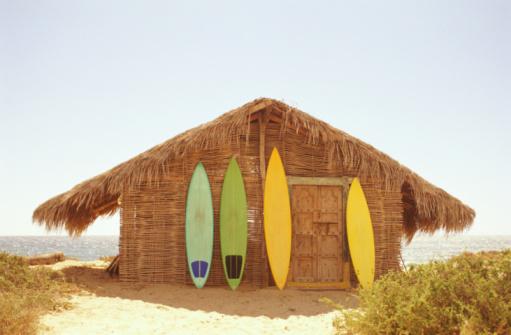 Central America「Mexico, Baja California, surfboards leaning against beach shack」:スマホ壁紙(13)