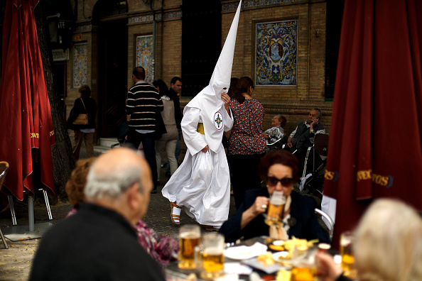 Tapas「Holy Week Processions In Seville」:写真・画像(1)[壁紙.com]