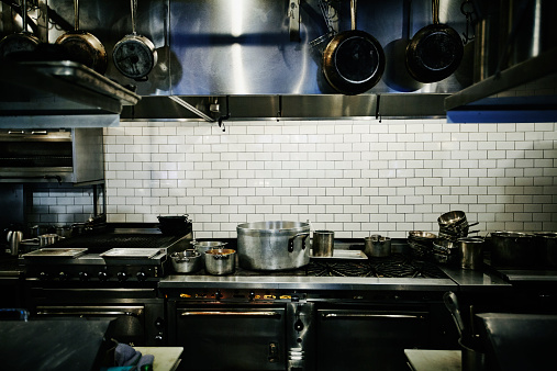 Cooking Pan「Pots simmering on range in restaurant kitchen」:スマホ壁紙(14)