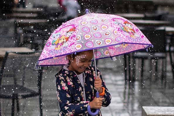 Shower「August Rain Ensures UK Summer Holiday Washout」:写真・画像(7)[壁紙.com]