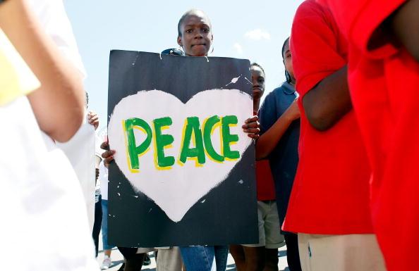平穏「Peace March Held In Miami」:写真・画像(3)[壁紙.com]
