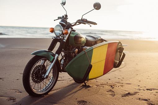 Motorized Vehicle Riding「Motorcycle on tropical beach」:スマホ壁紙(18)