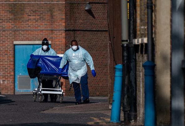 UK「UK In Fourth Week Of Coronavirus Lockdown As Death Toll Exceeds 10,000」:写真・画像(14)[壁紙.com]