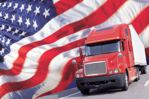 Approaching「Semi truck and the US flag」:スマホ壁紙(19)
