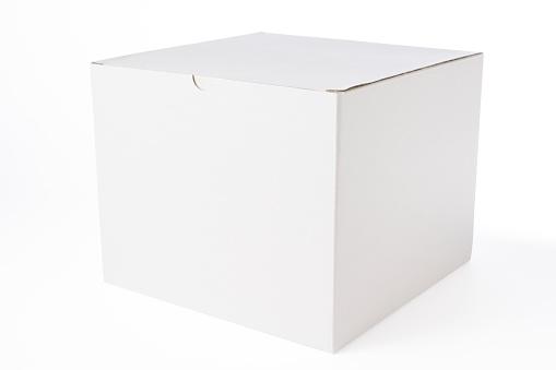 Square Shape「Isolated shot of closed blank cube box on white background」:スマホ壁紙(17)