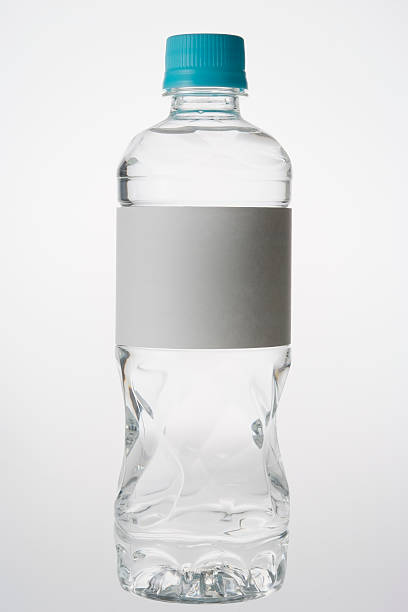 Isolated shot of bottle with blank label on white background:スマホ壁紙(壁紙.com)