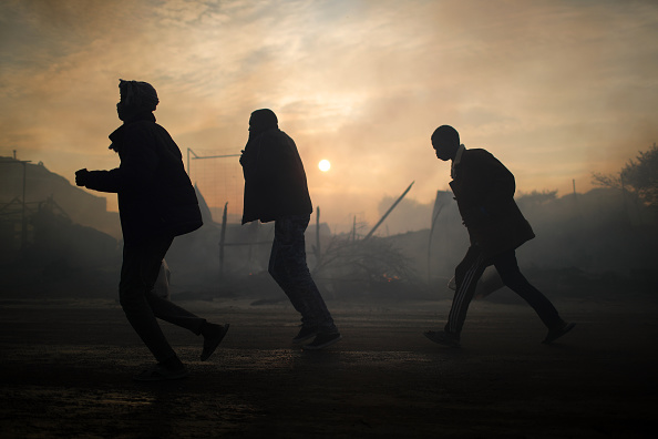 Calais「Migrants Leave The Jungle Refugee Camp In Calais」:写真・画像(0)[壁紙.com]