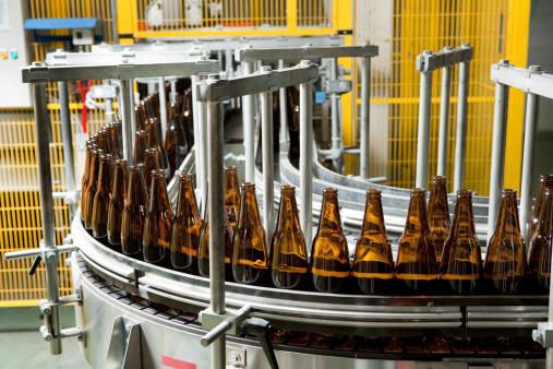 並んでいる「ボトル製造」:スマホ壁紙(1)