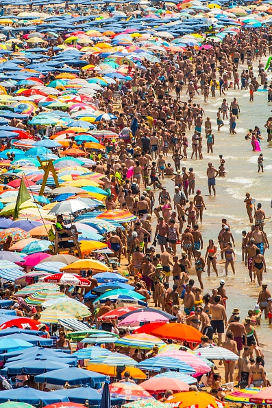 Mediterranean Sea「Summer Holiday Season Begins And Tourists Flock To The Beaches In Spain」:写真・画像(19)[壁紙.com]