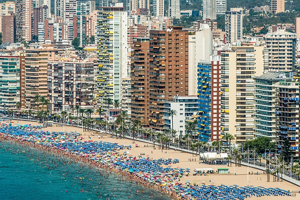 Mediterranean Sea「Summer Holiday Season Begins And Tourists Flock To The Beaches In Spain」:写真・画像(18)[壁紙.com]
