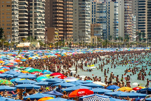 Mediterranean Sea「Summer Holiday Season Begins And Tourists Flock To The Beaches In Spain」:写真・画像(17)[壁紙.com]