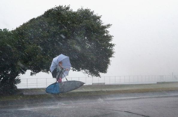 Offbeat「Tornado Warning Issued As Thunderstorm Hits Sydney」:写真・画像(19)[壁紙.com]
