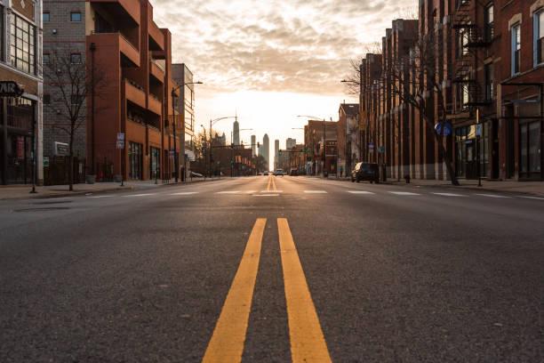 Chicago City empty streets under the coronavirus. City under lockdown.:スマホ壁紙(壁紙.com)