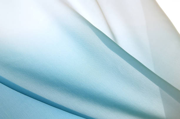 Graduated silk from blue to white:スマホ壁紙(壁紙.com)
