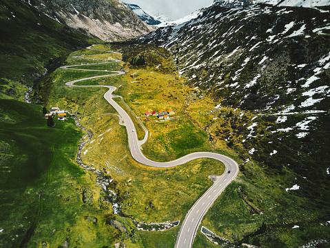 Hairpin Curve「julier pass road in switzerland」:スマホ壁紙(16)