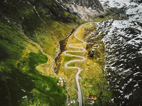 Hairpin Curve「julier pass road in switzerland」:スマホ壁紙(19)