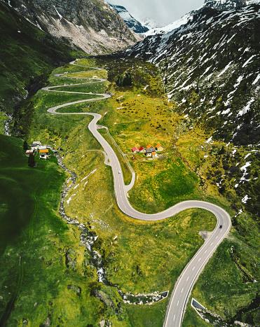 Hairpin Curve「julier pass road in switzerland」:スマホ壁紙(15)