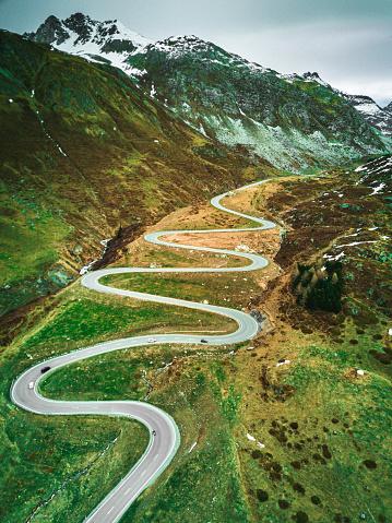 Hairpin Curve「julier pass road in switzerland」:スマホ壁紙(7)
