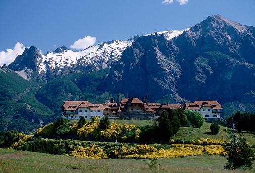 1980-1989「Buildings at Bariloche」:スマホ壁紙(14)