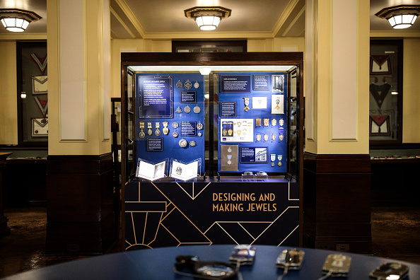 Press Preview「The Freemason's Museum Showcases 150 Year Collection Of Masonic Jewels」:写真・画像(18)[壁紙.com]