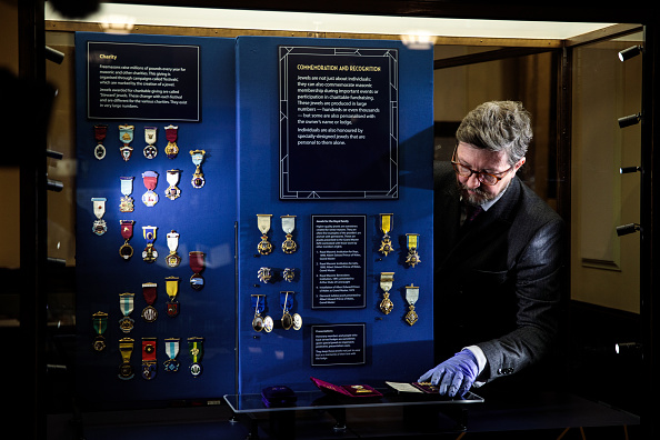 Press Preview「The Freemason's Museum Showcases 150 Year Collection Of Masonic Jewels」:写真・画像(19)[壁紙.com]