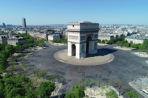 Aerial View「Arc de Triomphe and Place Charles de Gaulle, in Paris, France」:スマホ壁紙(19)