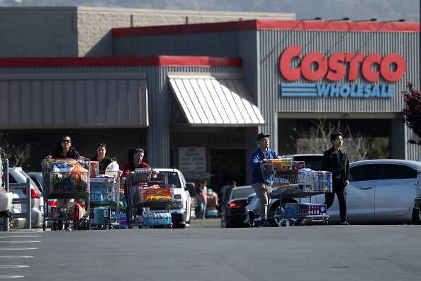 Costco Wholesale Corporation「Coronavirus Pandemic Causes Climate Of Anxiety And Changing Routines In America」:写真・画像(15)[壁紙.com]