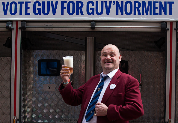 Comedian「Pub Landlord Al Murray Submits His Papers To Stand In The General Election In Thanet」:写真・画像(17)[壁紙.com]