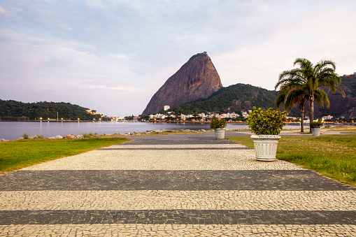 Boardwalk「Sugarloaf Mountain from Flamengo Park, Rio de Janeiro」:スマホ壁紙(19)